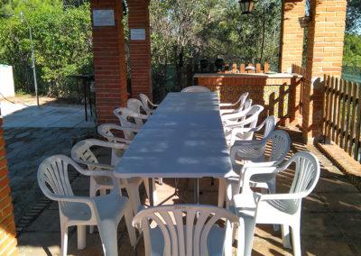 Mesas jardin_Cigarral El Pinar de las Bastida en Toledo