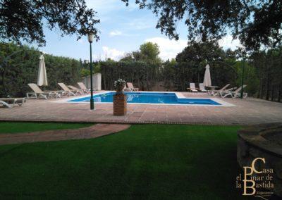 casa-rural-piscina-familia.jpg