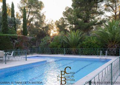 casa-rural-toledo-piscina-01.jpg